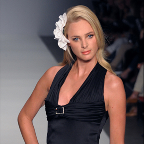 Monique Collignon – Amsterdam International Fashion Week S/S 2011