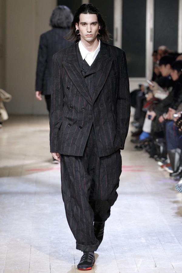 Yohji Yamamoto - Automne Hiver 2011-2012