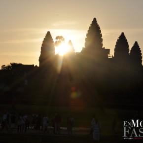 Lever du soleil sur les temples d'Angkor - Cambodge