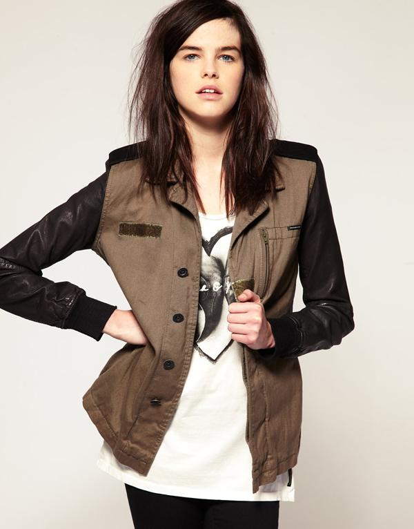 maison scotch veste style militaire avec manches en cuir chez asos. Black Bedroom Furniture Sets. Home Design Ideas