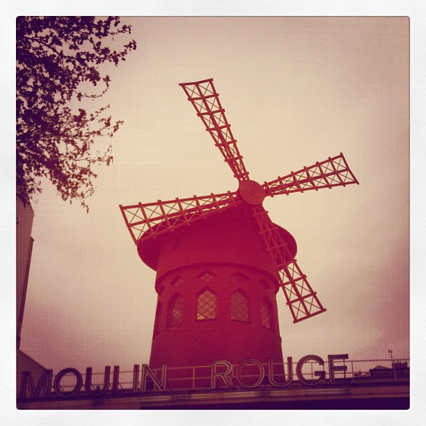 CAMPER LOVES PARIS
