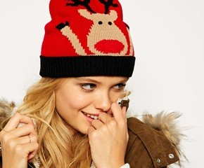 ASOS - Bonnet de Noël motif renne à pompon