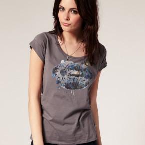 Wrangler - T-shirt ample motif lèvres fleuries